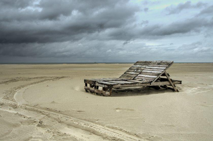 beach-chairs-clouds-9184