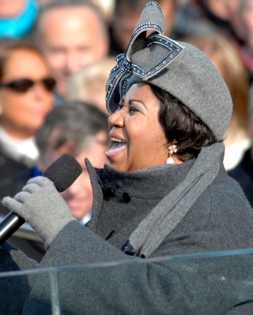 Aretha_Franklin_on_January_20,_2009_(cropped_2).jpg